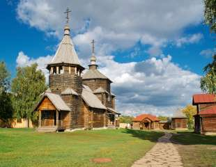 The traditional russian wooden houses for tourists in the ancient town of Suzdal , Russia